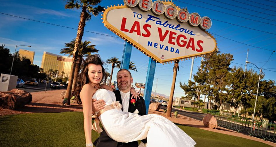 What percentage of Americans is married in Las Vegas and why is it so popular?