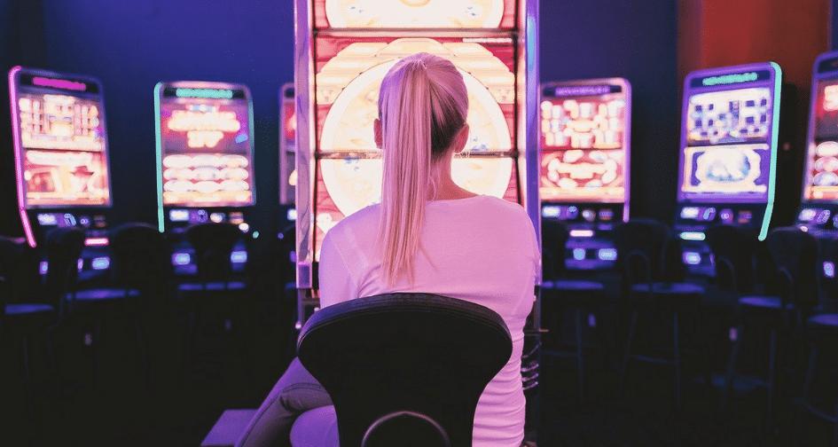 Are Women Better Gamblers Than Men?