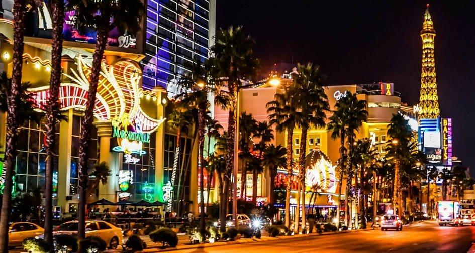 How do Casinos Keep People Gambling